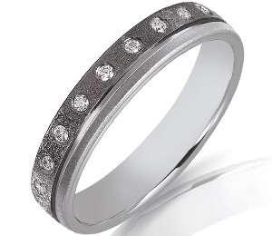 Alliance-mariage-or-noir-or-blanc-diamants