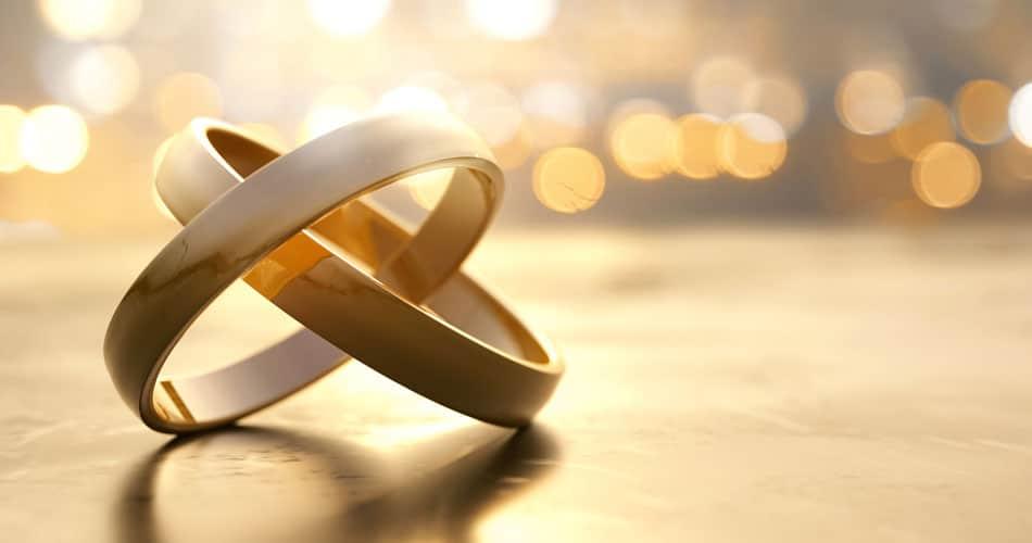 L'alliance : origines, histoire et symboles du plus glamour des bijoux !